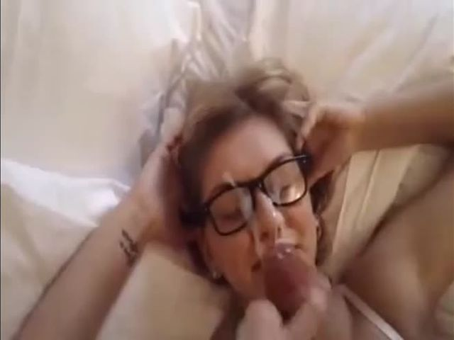Teenage blonde having blow job and having all seeds on face