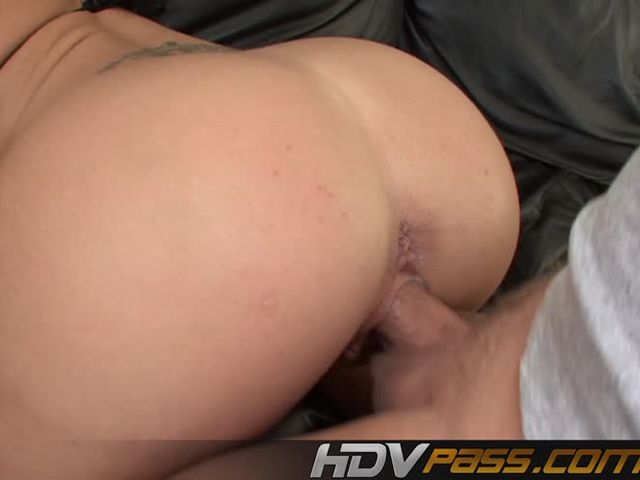 Blonde Milf With a Sexi Ass Having Drill